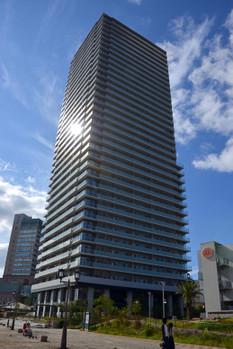 Kobeharborland150918