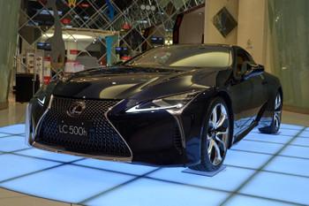 Lexus170412