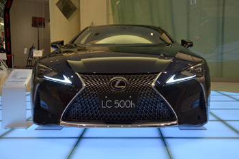 Lexus170413