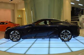 Lexus170416