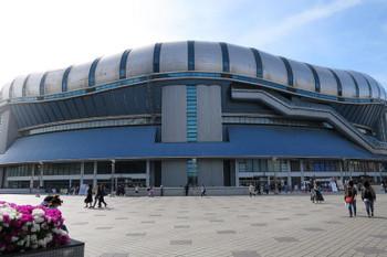 Osakaamuro180411