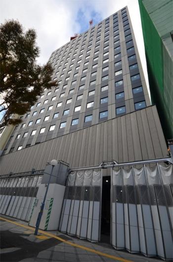 Osakasonezaki191199