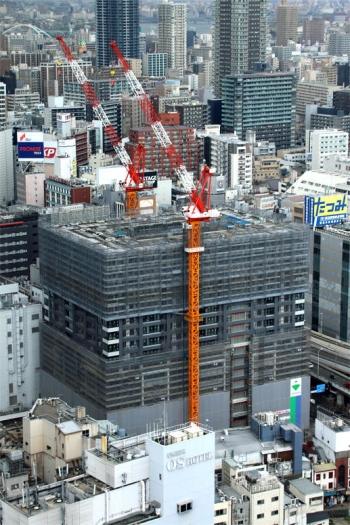 Osakasonezaki200312